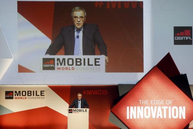 El presidente de Telefónica, César Alierta, en el Mobile World...