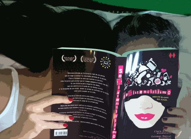 Los autores del libro, anónimos, con 'Sexistencialimo', su...