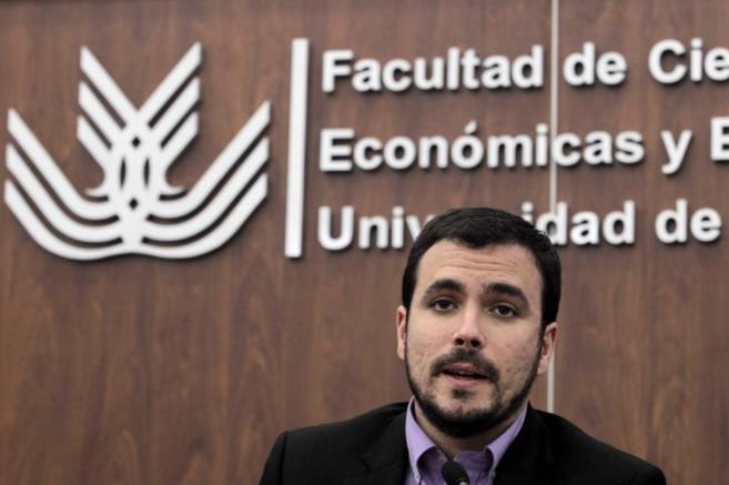 Alberto Garzón, candidato de IU a La Moncloa, durante una conferencia...
