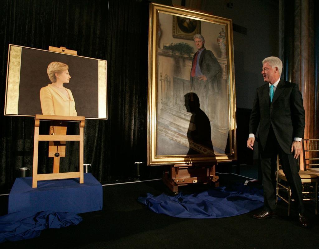 Bill Clinton, en abril de 2006, cuando se presentó el retrato que le...