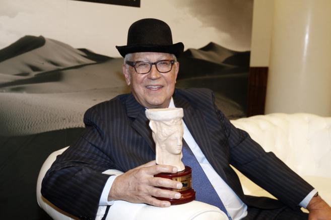 Fernando Delgado recibe el premio Azorín de novela