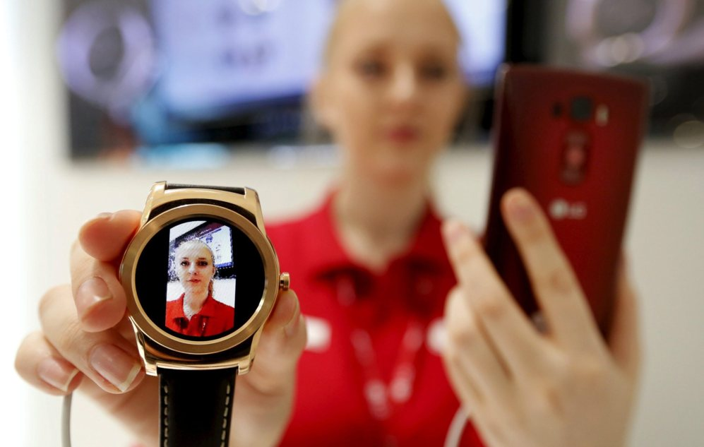 Demostración de un reloj inteligente en el MWC