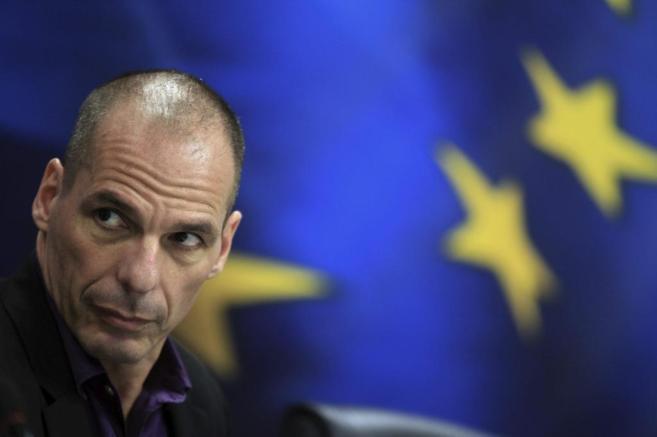 El ministro de Finanzas griego, Yanis Varufakis, en una rueda de...
