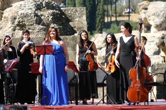 Las integrantes de la Orquesta de Mujeres Almaclara-Inés Rosales...