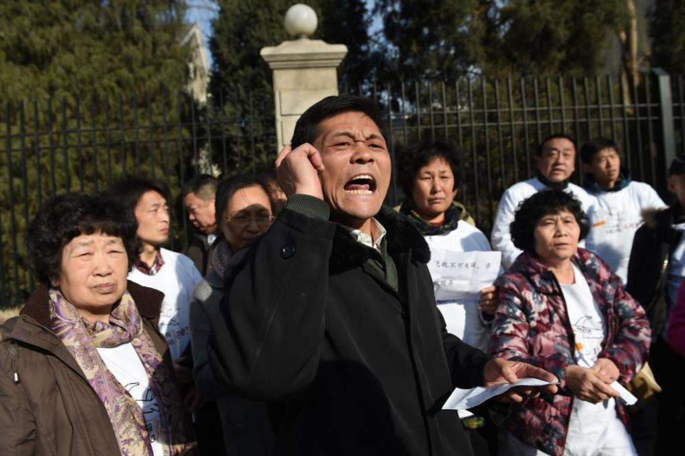 Familiares de desaparecidos del vuelo MH370 de Malaysia Airlines, este...