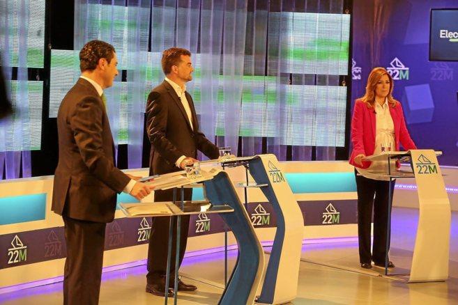 Juan Manuel Moreno, Antonio Maíllo y Susana Díaz, durante el debate...