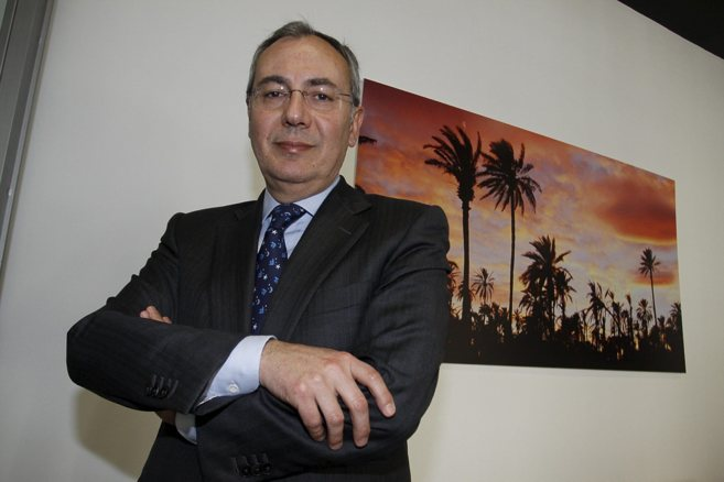 El presidente de la Fundación Caja Mediterráneo, Matías Pérez...
