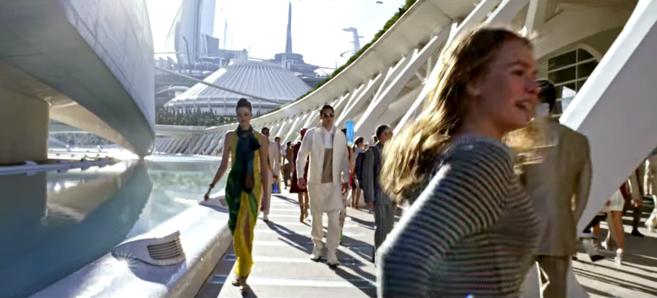 Fotograma de la película 'Tomorrowland'.