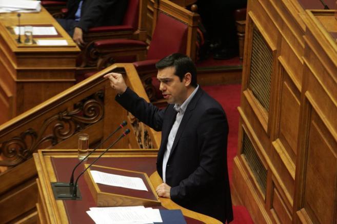 El primer ministro griego, Alexis Tsipras, durante en una sesión del...