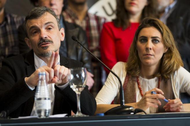 Jose Manuel López, candidato de Podemos a la Comunidad, y Lorena...