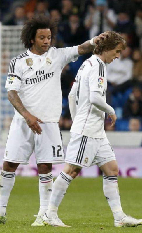 Marcelo despide a Modric, sustituido por Illarramendi.