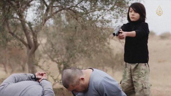 Captura de video en la que el IS difunde una ejecución a manos de un...
