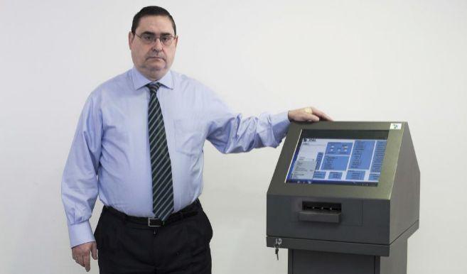 El director de Simplicity Products & Services, José Ricardo...