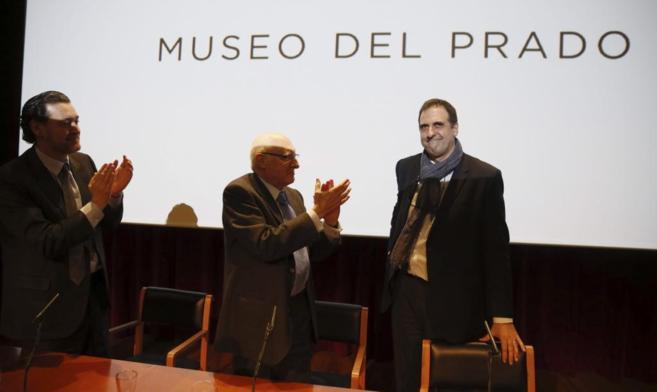 Gabriele Finaldi, a la derecha, en un momento de su despedida