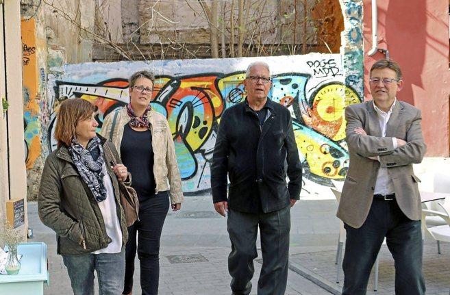 Carmen Amoraga, María José Mira, Fernando Delgado y Ximo Puig, en...