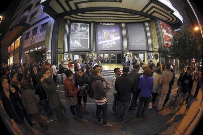 Colas en un cine de Madrid, en la Fiesta del cine de 2013.