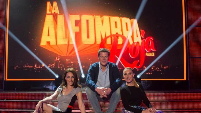 Los presentadores Nerea Garmendia, Jota Abril y Berta Collado.