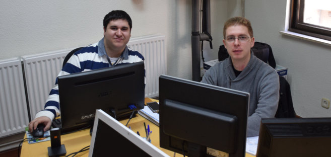 Sergio Fernández y Jesús Ramos, del departamento de Informática e...