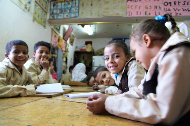 Una niña en un colegio de una barriada humilde de El Cairo.