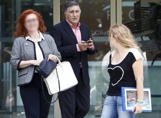 Responsables del grupo Trasgos salen de los juzgados de Valencia, en...