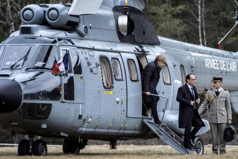 Los tres mandatarios han llegado juntos en helicóptero a la remota...