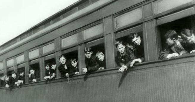 Los trenes transportaron durante 75 años niños huérfanos desde la...