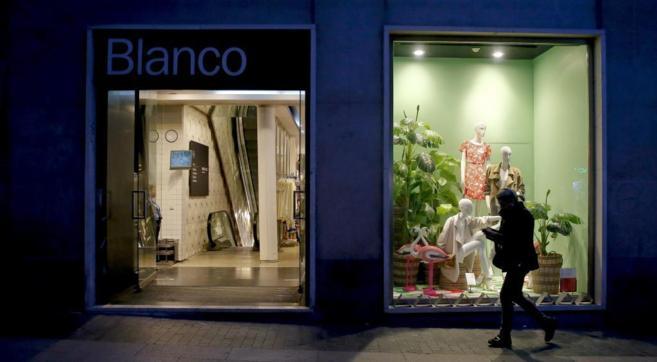 Escaparate de la tienda de Blanco situada en la Gran Vía de Madrid.