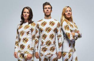 Tres modelos lucen los pijamas lanzados por McDonald's.