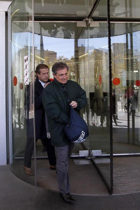 Jordi Pujol Ferrusola saliendo ayer de los juzgados de Barcelona.