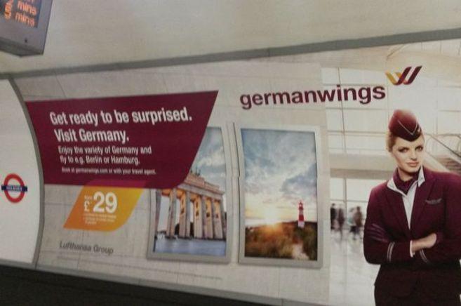 Anuncio de Germanwings invitando a los usuarios del metro de Londres a...