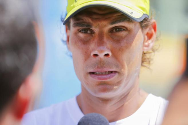 El tenista español atiende a los medios en Miami.