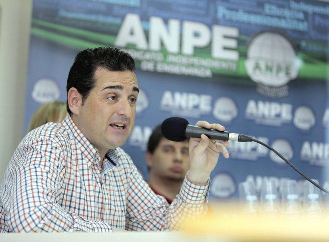 El presidente de Anpe, Laureano Bárcena, ayer durante la rueda de...