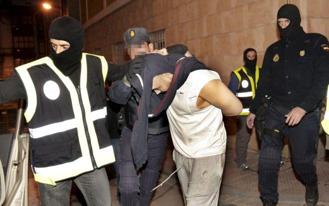 Operación de la PolicíaNacional en 2009 en Bilbao contra 17 acusados...