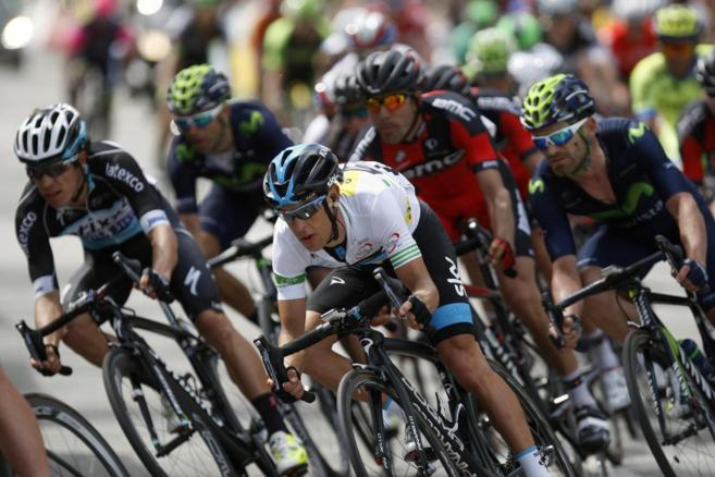 Porte (C) y Valverde (dcha.), durante la última etapa de la Volta.
