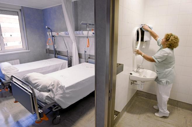 Personal de limpieza del hospital de Cruces, en Barakaldo.