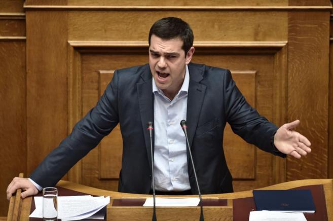 Tsipras, ayer durante la comparecencia en el Parlamento en la que no...