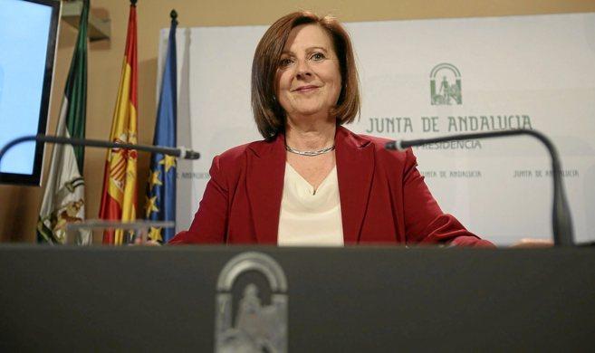 La consejera en funciones de Políticas Sociales, María José...