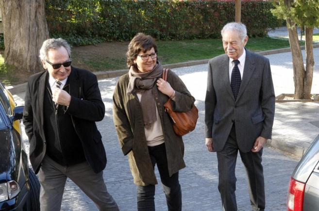 Xavier Vidal Folch, Olga Viza y Eduardo Mendoza, esta mañana en el...