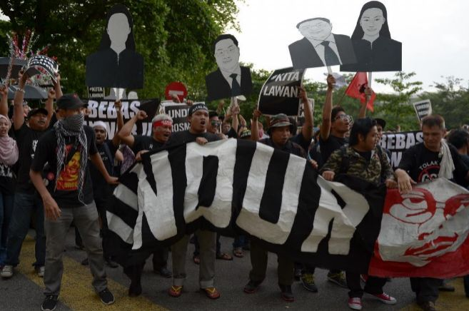 Manifestación de partidarios de Anwar Ibrahim en las calles de Kuala...