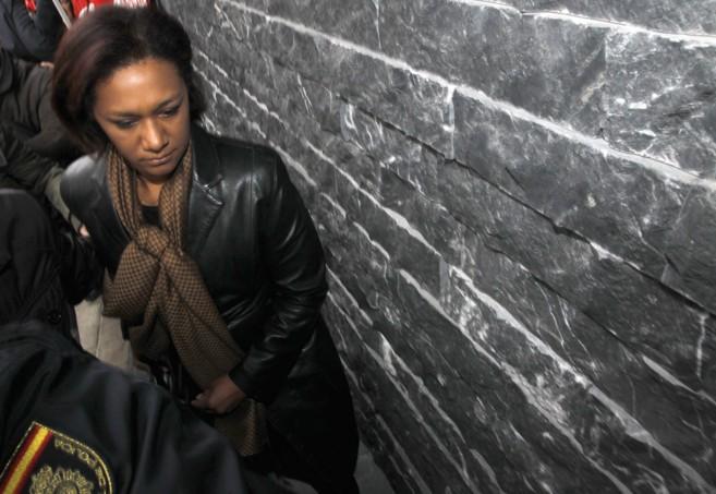 La ex consellera Lola Johnson entra al juzgado para declarar por el...