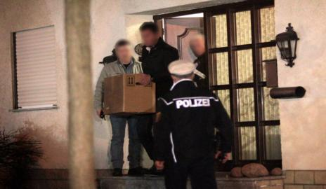 Imagen del pasado día 26, cuando los investigadores registraron el domicilio de Andreas Lubitz.