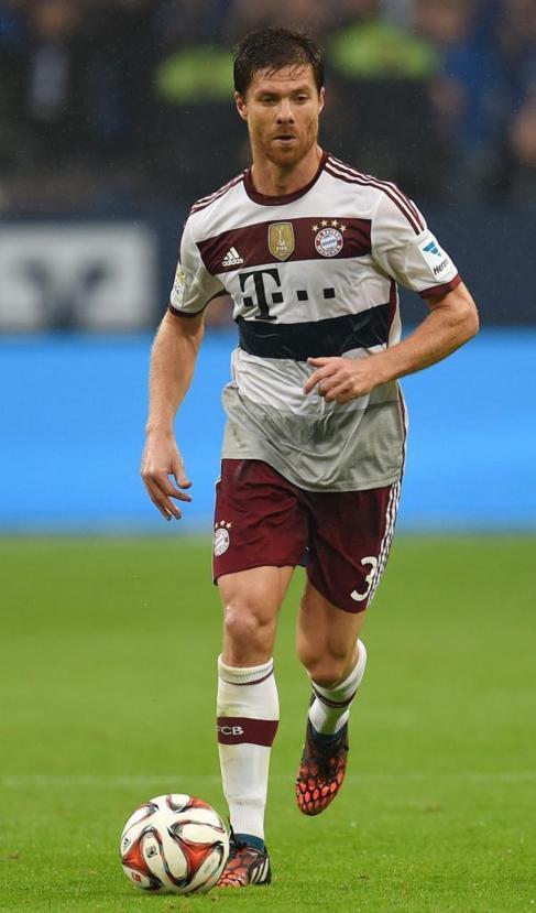 Xabi Alonso, durante un partido con el Bayern.