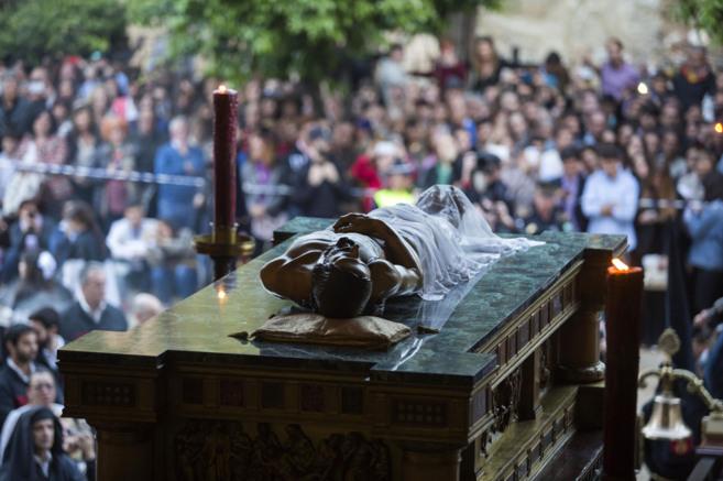 El Sepulcro en su antesala procesional.