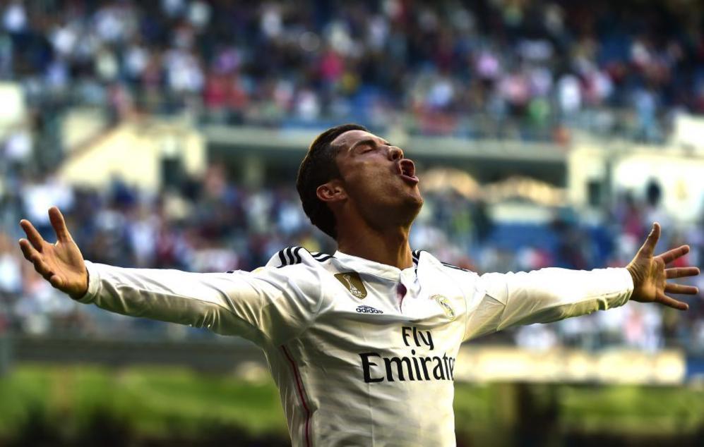 Cristiano Ronaldo celebra uno de sus cinco goles ante el Granada.