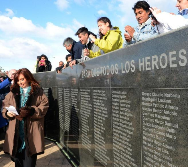 Cristina Fernández, en un acto en memoria de los caídos en la...