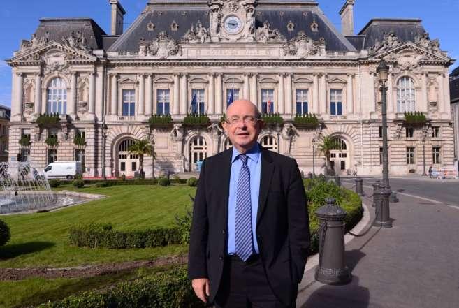 El ex alcalde de Tours y senador socialista Jean Germain el 18 de...