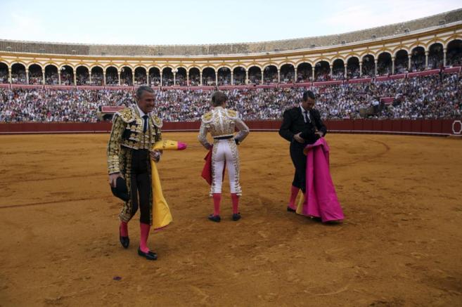 La plaza de toros de la Maestranza llena el pasado Domingo de...