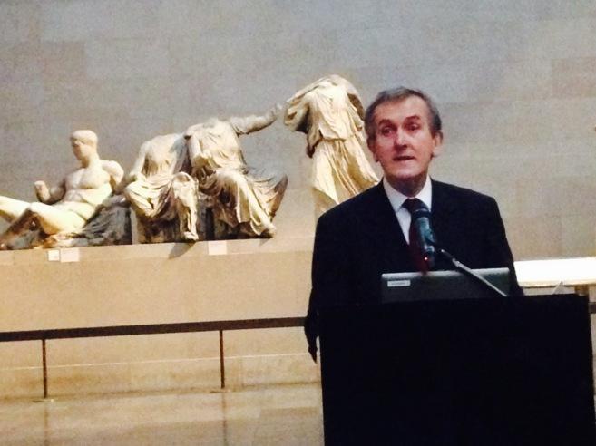 Neil MacGregor en el anuncio de su retiro del cargo como director