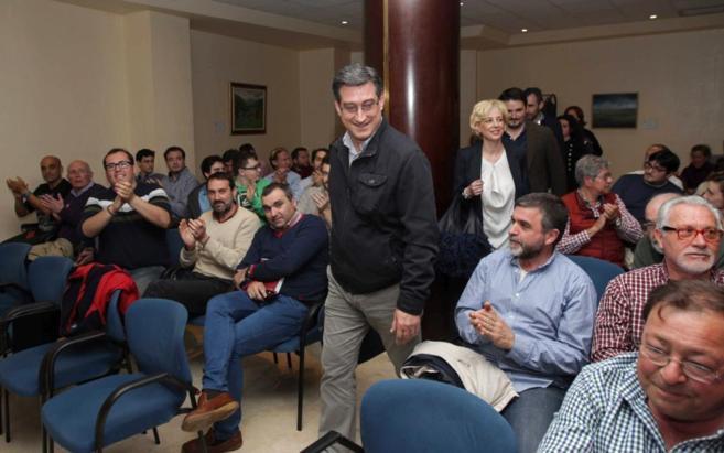 Ignacio Prendes, antes de participar en una asamblea de afiliados de...