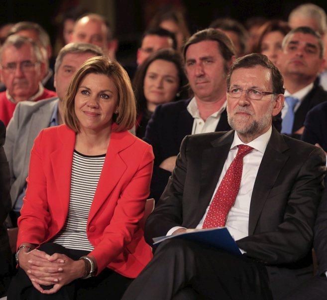 Mariano Rajoy junto a María Dolores de Cospedal este miércoles en...